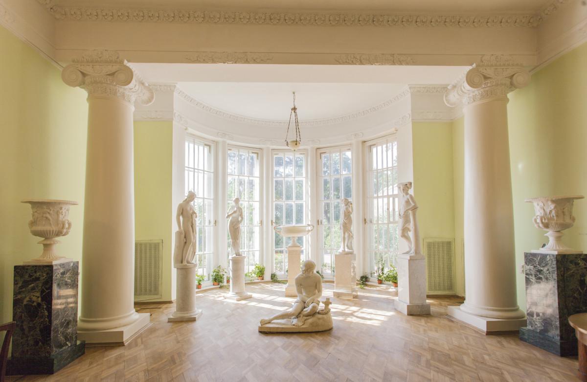 Где взять вдохновение: интерьеры музея «Горки Ленинские» глазами дизайнера