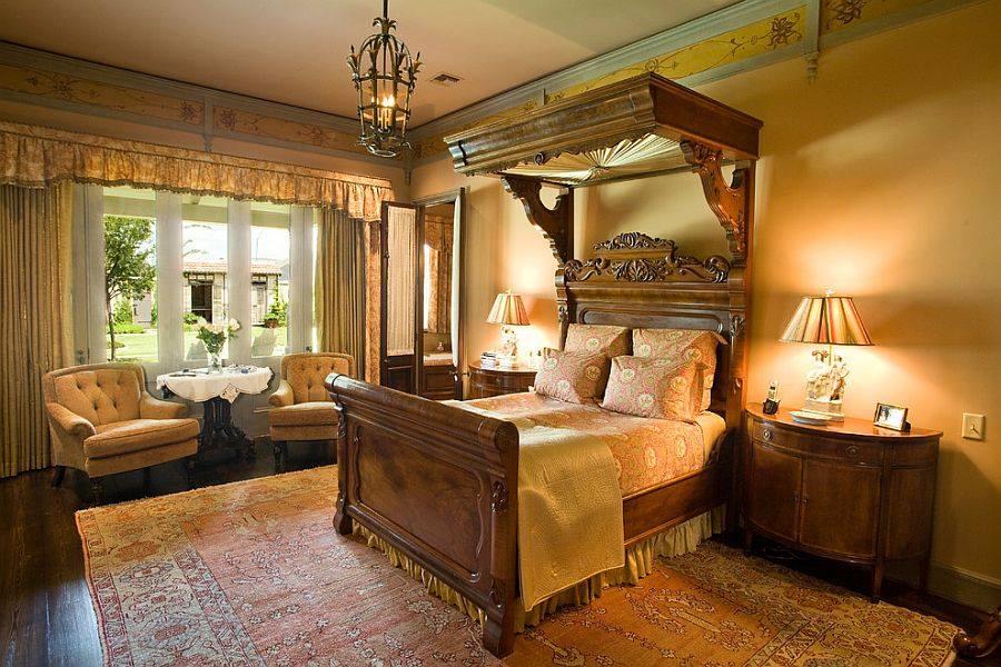 Спальня в  цветах:   Бежевый, Желтый, Коричневый, Светло-серый, Темно-коричневый.  Спальня в  стиле:   Классика.