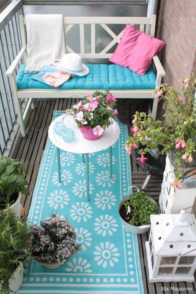 Балкон в  цветах:   Голубой, Светло-серый, Серый, Темно-зеленый, Черный.  Балкон в  стиле:   Минимализм.