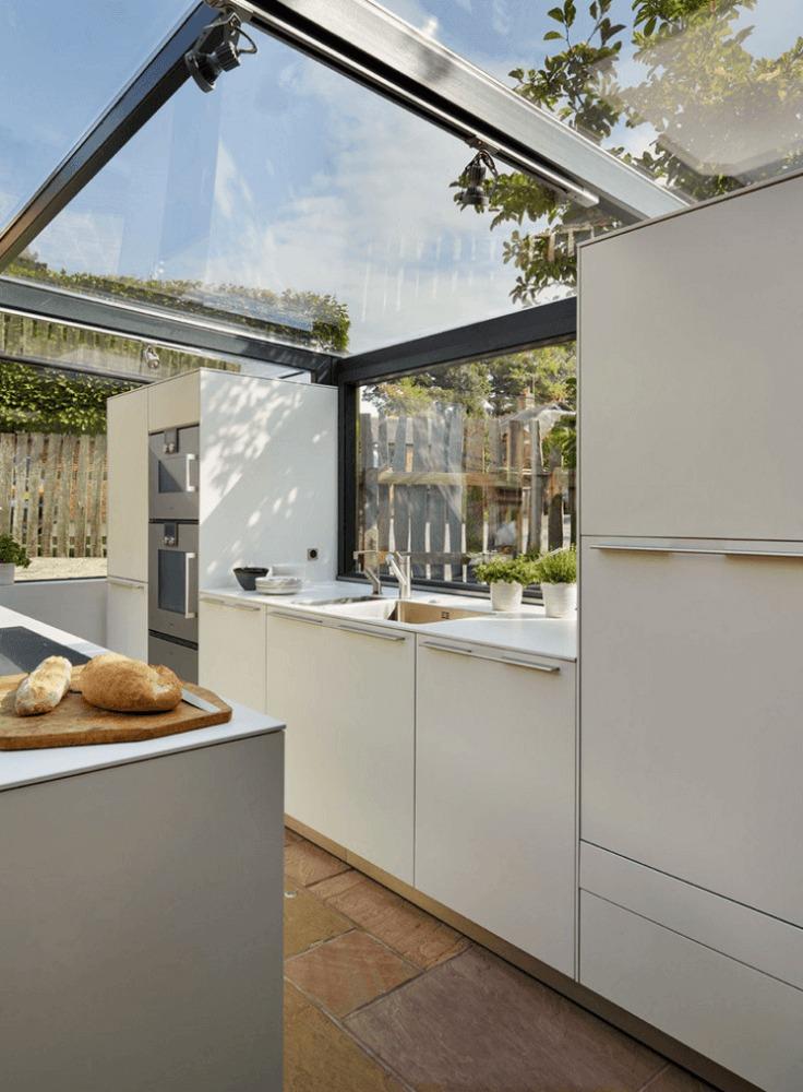 Кухня/столовая в  цветах:   Бежевый, Коричневый, Светло-серый, Серый.  Кухня/столовая в  стиле:   Минимализм.