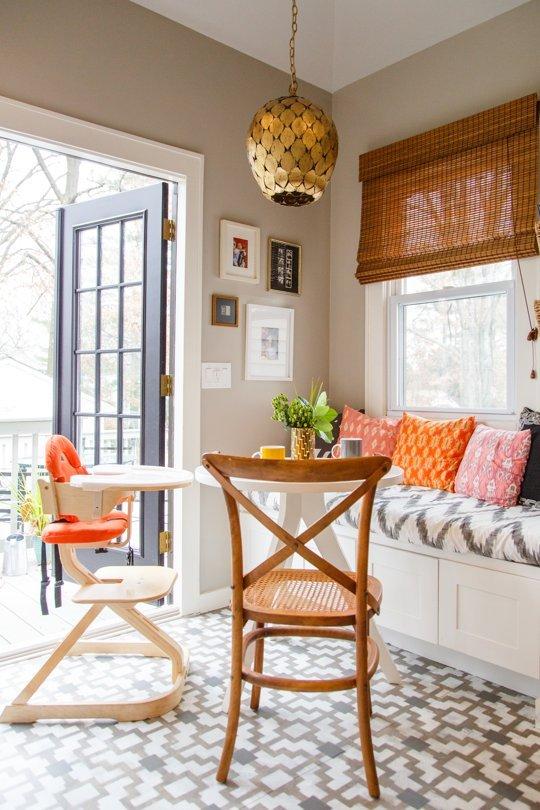 Кухня/столовая в  цветах:   Бежевый, Белый, Коричневый, Светло-серый, Серый.  Кухня/столовая в  стиле:   Кантри.