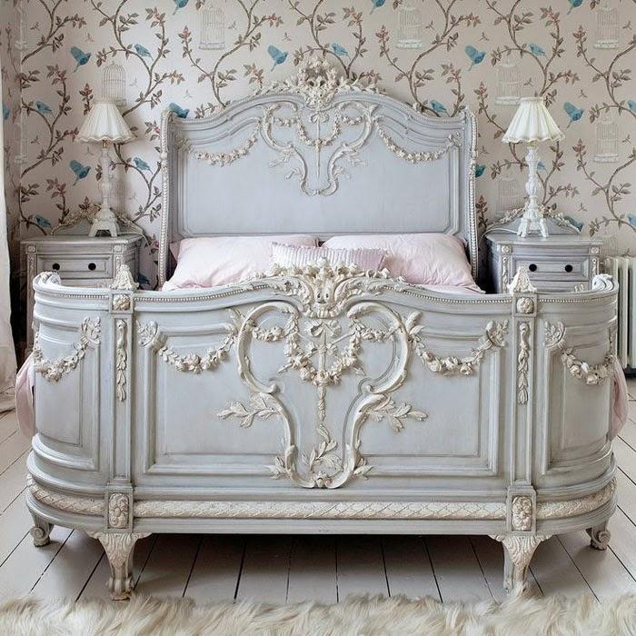 Спальня в  цветах:   Бежевый, Светло-серый, Серый.  Спальня в  стиле:   Классика.