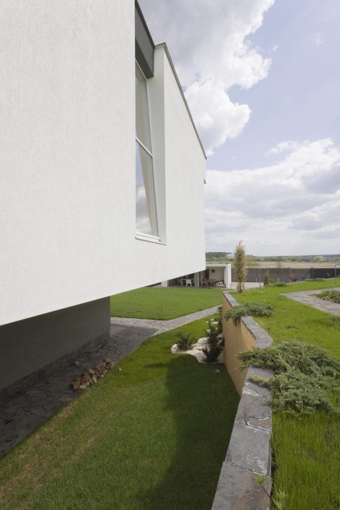 Архитектура в  цветах:   Светло-серый, Серый, Темно-зеленый, Темно-коричневый, Черный.  Архитектура в  .