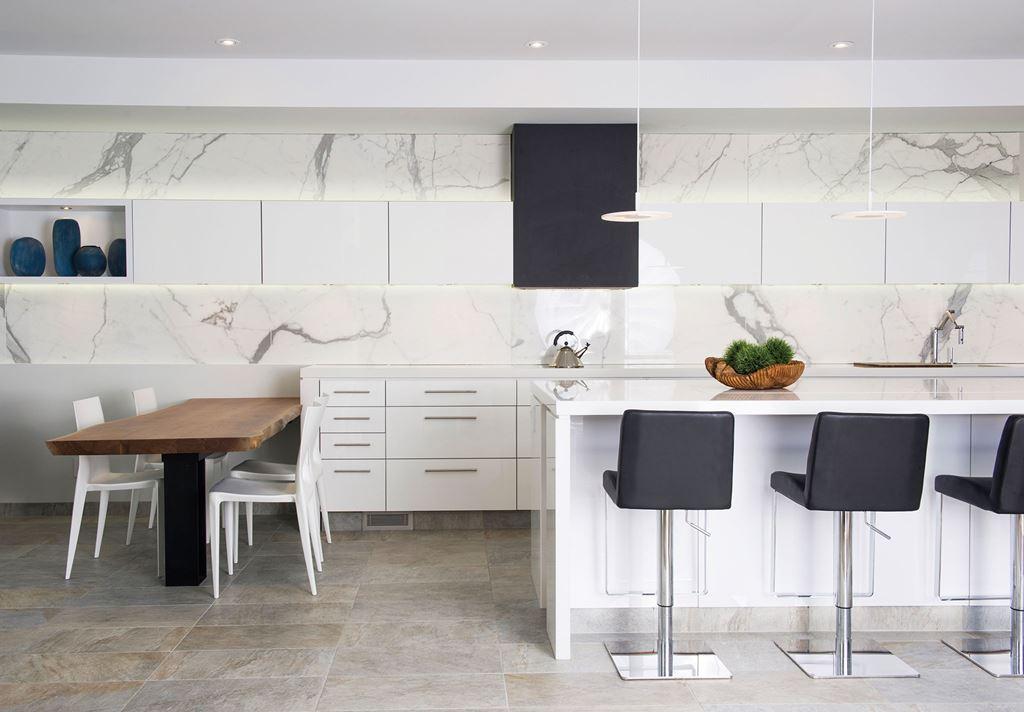 13 лучших интерьеров с большими кухнями