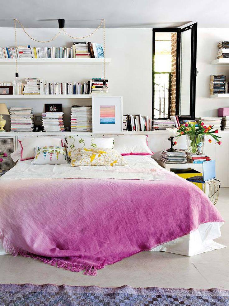 Спальня в  цветах:   Белый, Розовый, Светло-серый, Серый, Сиреневый.  Спальня в  стиле:   Скандинавский.