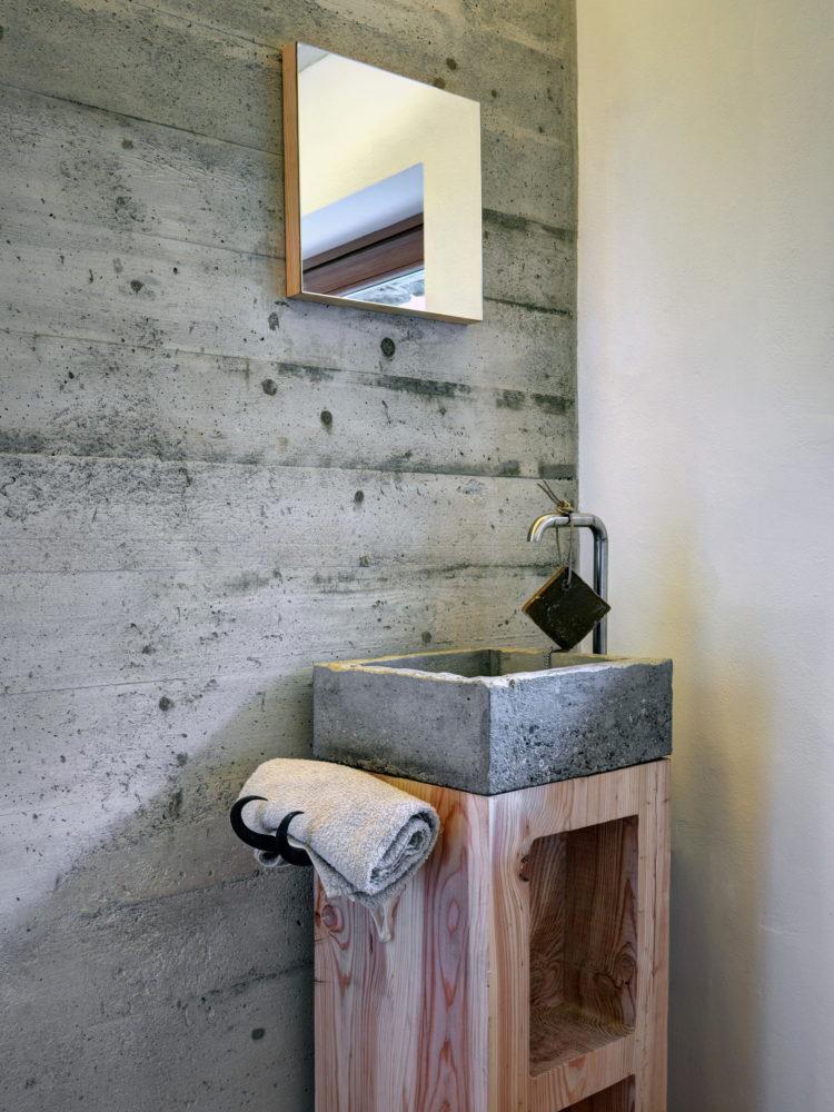 Ванная в  цветах:   Бежевый, Светло-серый, Серый.  Ванная в  стиле:   Лофт.