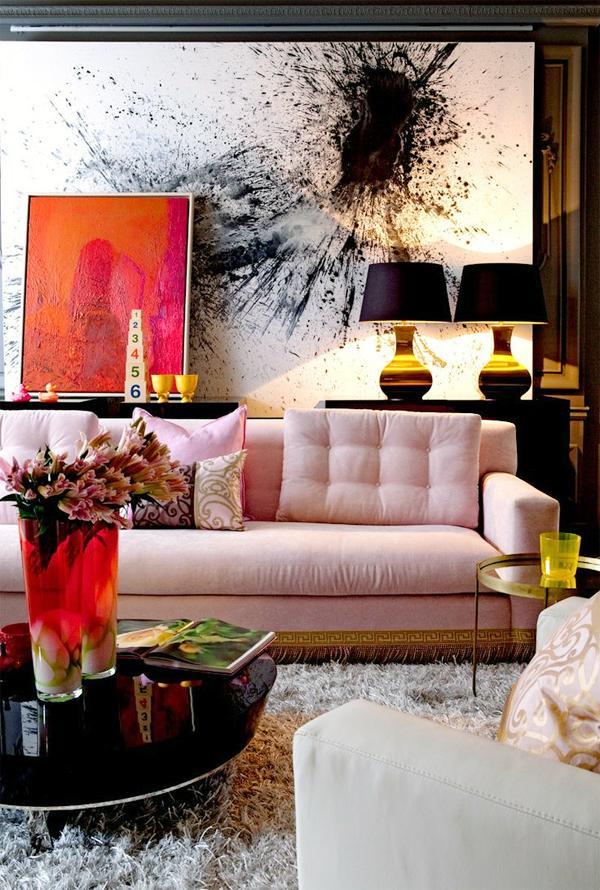 Гостиная в  цветах:   Бежевый, Белый, Светло-серый, Серый, Черный.  Гостиная в  стиле:   Эклектика.