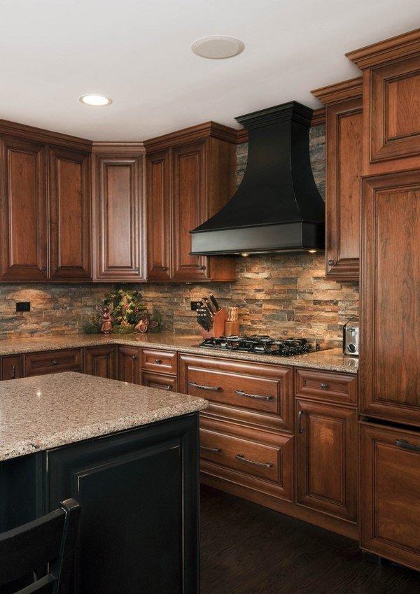 Кухня/столовая в  цветах:   Бежевый, Коричневый, Светло-серый, Темно-коричневый, Черный.  Кухня/столовая в  стиле:   Неоклассика.