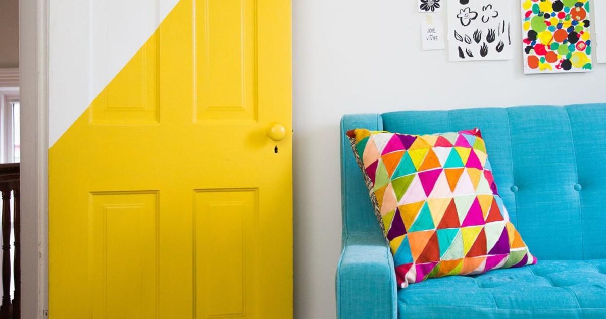 Межкомнатные двери: долой скуку, 18 ярких примеров