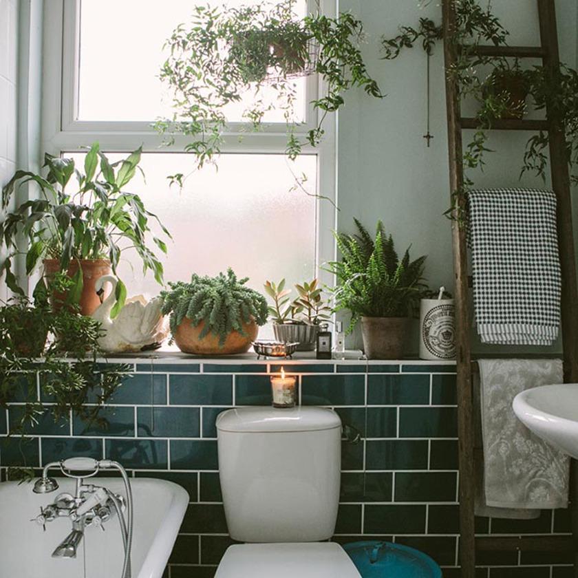 Ванная в  цветах:   Бежевый, Белый, Светло-серый, Серый, Черный.  Ванная в  стиле:   Скандинавский.