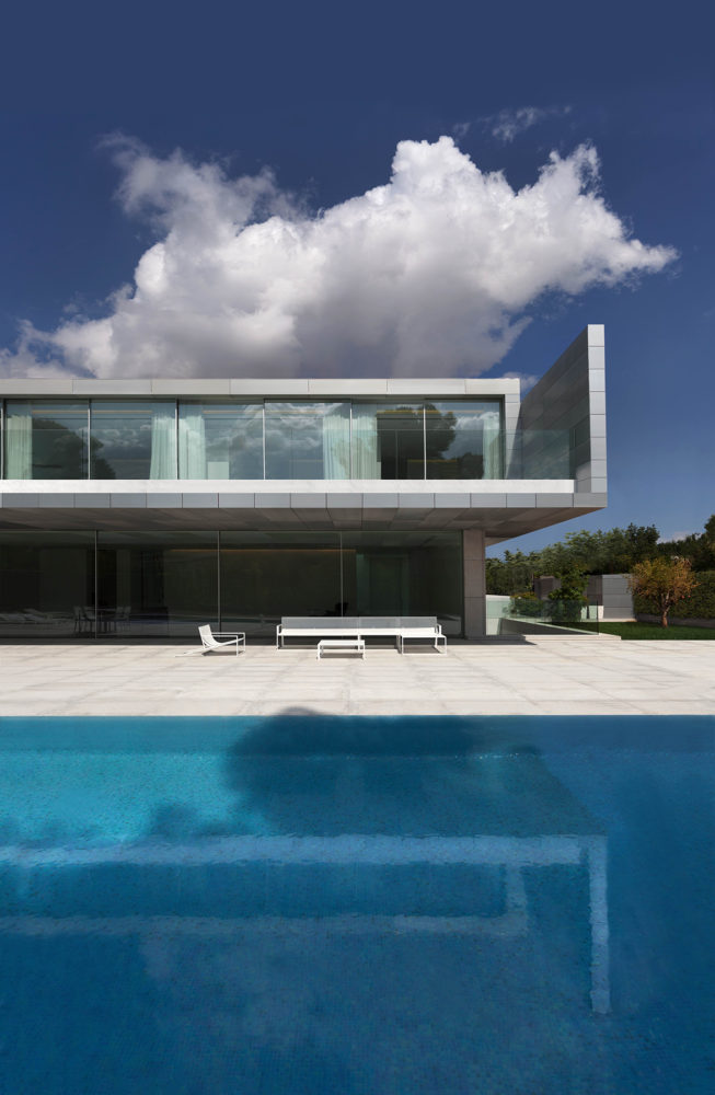 Архитектура в  цветах:   Светло-серый, Серый, Синий, Фиолетовый, Черный.  Архитектура в  .