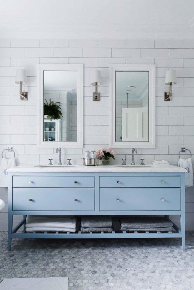 Ванная в  цветах:   Светло-серый, Серый.  Ванная в  стиле:   Минимализм.