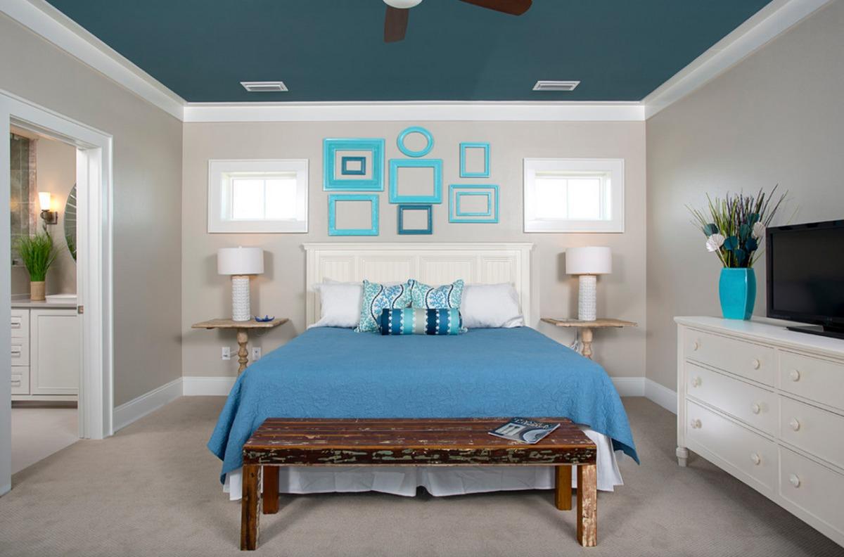20 ярких потолков для воздушной спальни