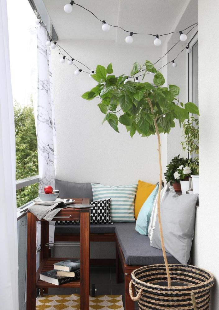 Балкон в  цветах:   Белый, Светло-серый, Серый, Темно-зеленый, Черный.  Балкон в  стиле:   Скандинавский.