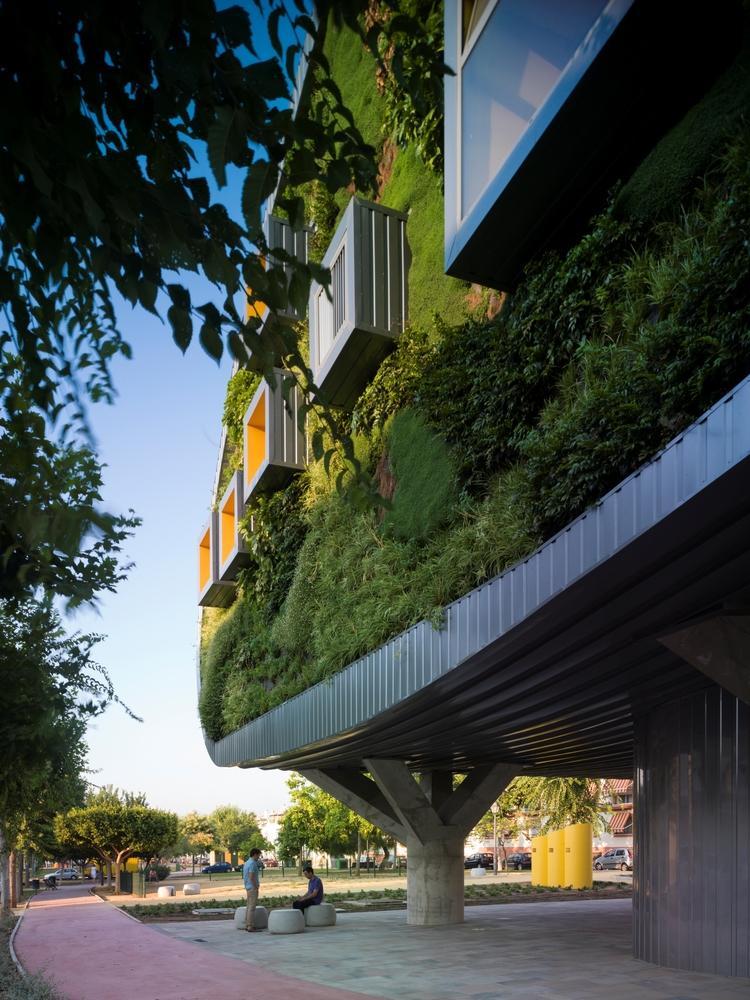Архитектура в  цветах:   Бирюзовый, Светло-серый, Серый, Темно-зеленый, Черный.  Архитектура в  .
