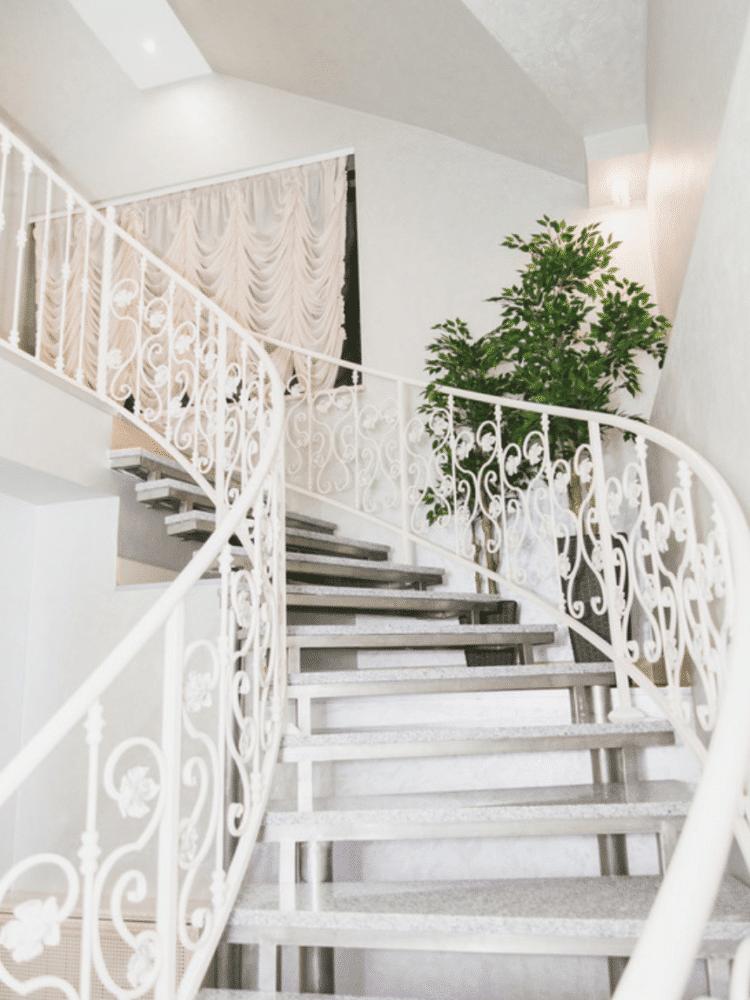 Вдохновение в  цветах:   Белый, Светло-серый.  Вдохновение в  .