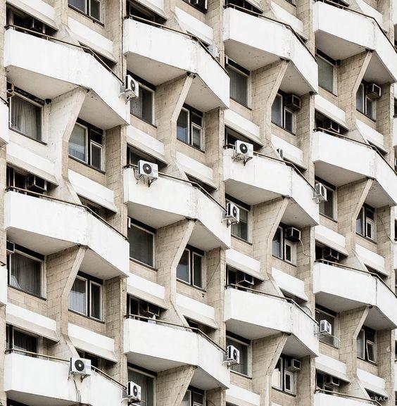 За что могут оштрафовать собственника квартиры и лишить его недвижимости?