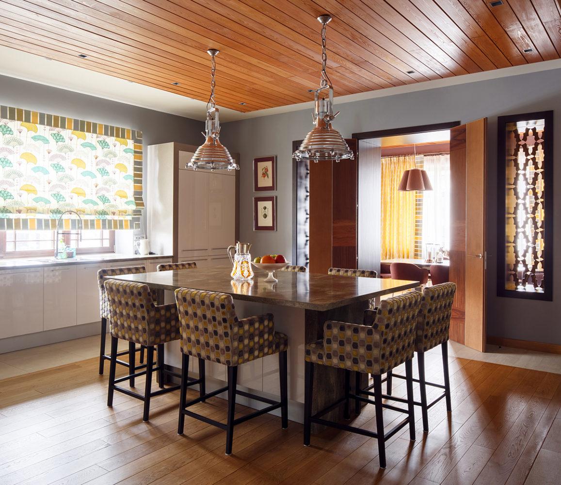 Кухня/столовая в  цветах:   Бежевый, Коричневый, Светло-серый, Серый, Темно-коричневый.  Кухня/столовая в  стиле:   Скандинавский.