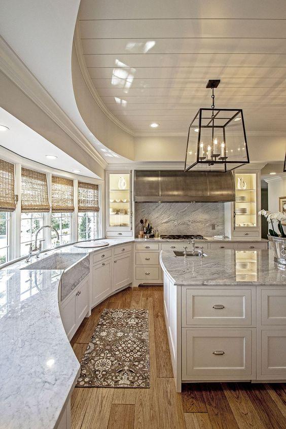 Кухня/столовая в  цветах:   Бежевый, Коричневый, Светло-серый, Серый.  Кухня/столовая в  стиле:   Американский стиль.