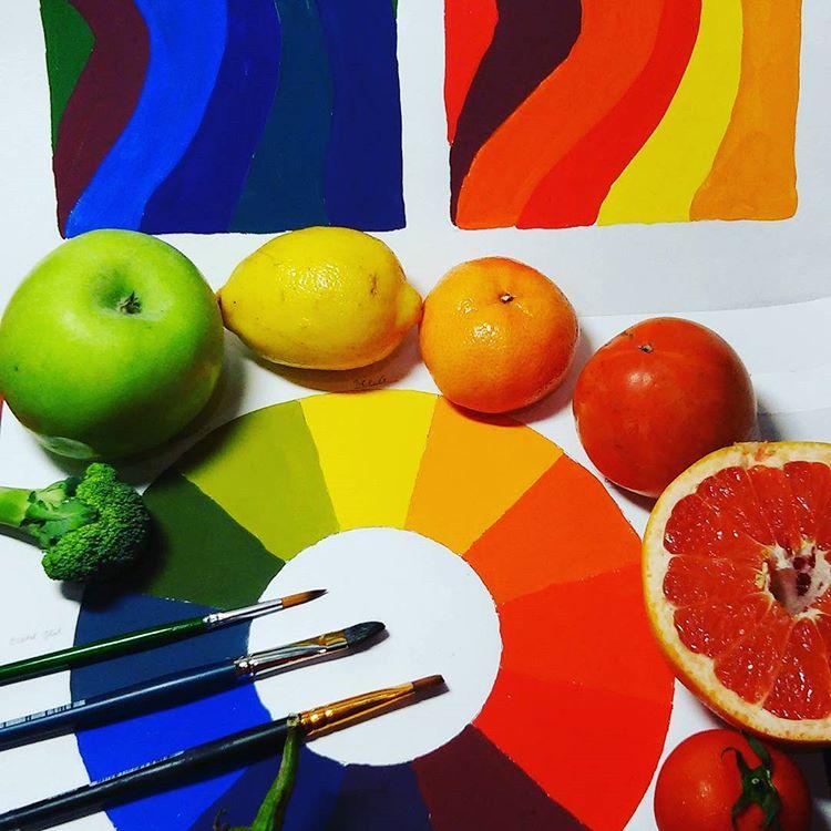 в  цветах:   Бордовый, Красный, Оранжевый, Светло-серый, Фиолетовый.  в  .