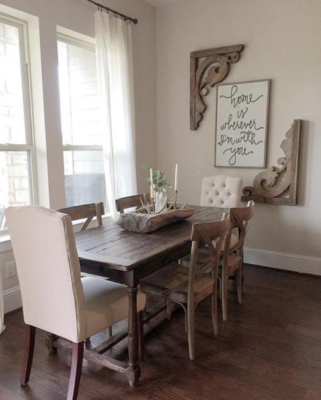 Кухня/столовая в  цветах:   Белый, Светло-серый, Серый, Темно-коричневый, Бежевый.  Кухня/столовая в  стиле:   Эклектика.