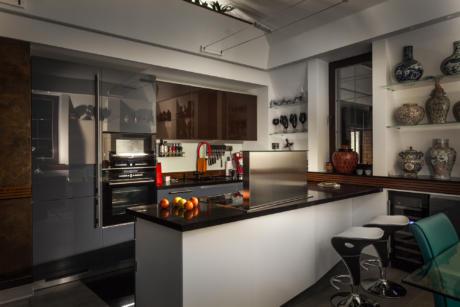 Кухня/столовая в  цветах:   Темно-коричневый, Бежевый, Зеленый, Фиолетовый.  Кухня/столовая в  стиле:   Минимализм.