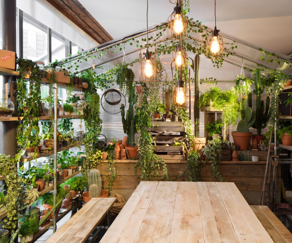 Дом, который специально оформили в цвет года greenery