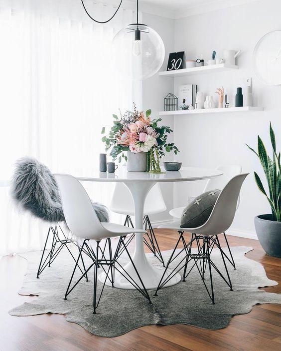 Кухня/столовая в  цветах:   Коричневый, Светло-серый, Серый, Темно-зеленый.  Кухня/столовая в  стиле:   Скандинавский.