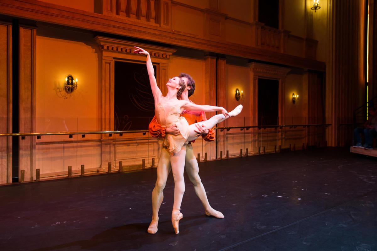 Премьера в Большом театре — балет и презентация кофемашины Nespresso