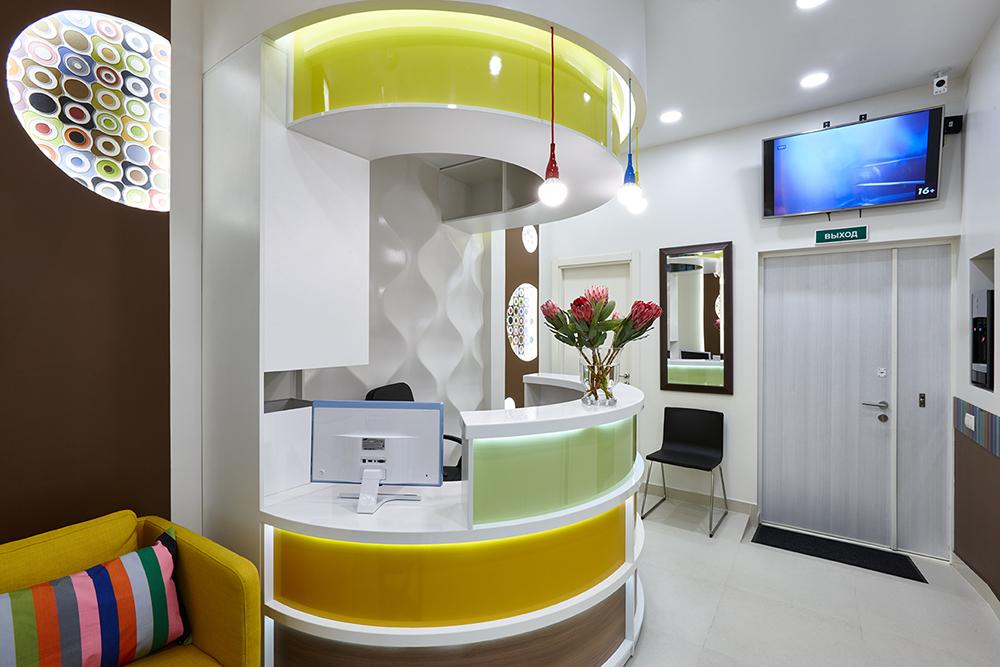 Офис в  цветах:   Бежевый, Коричневый, Светло-серый, Серый, Темно-коричневый.  Офис в  стиле:   Минимализм.