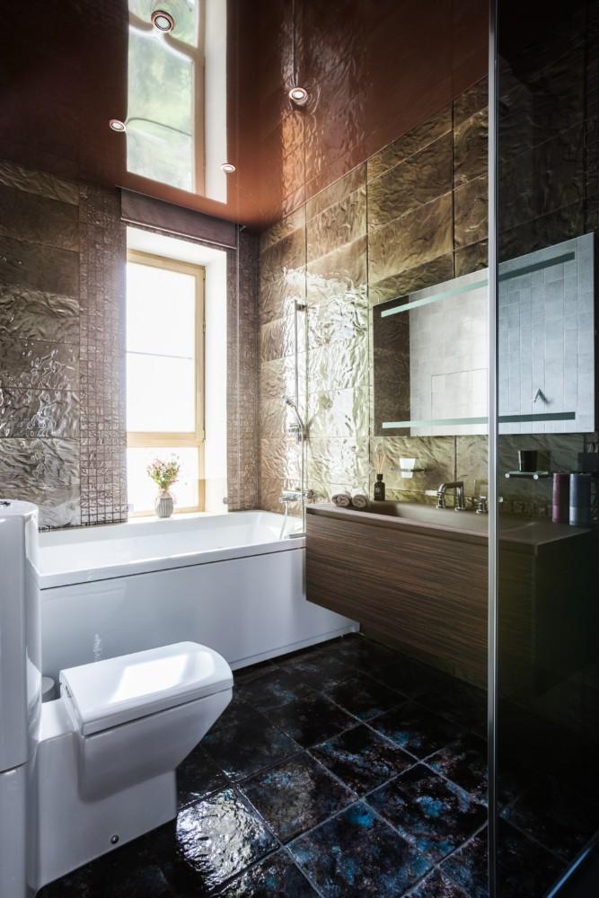 Ванная в  цветах:   Бирюзовый, Коричневый, Светло-серый, Темно-коричневый.  Ванная в  стиле:   Минимализм.