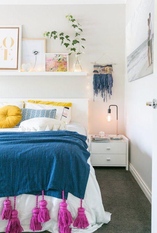 Спальня в  цветах:   Желтый, Розовый, Светло-серый, Синий, Сиреневый.  Спальня в  стиле:   Скандинавский.