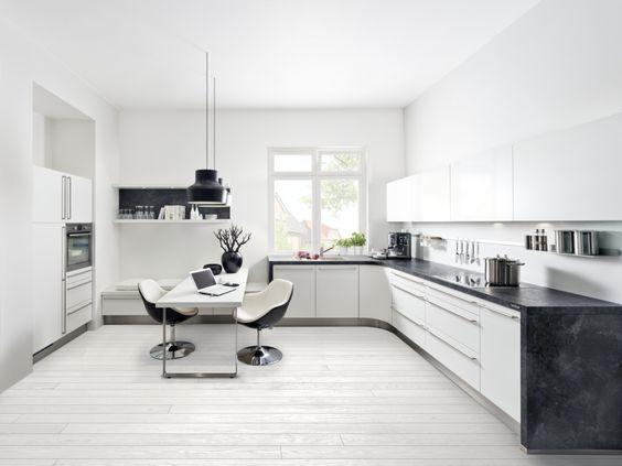 Как оборудовать угловую кухню и какие элементы лучше использовать