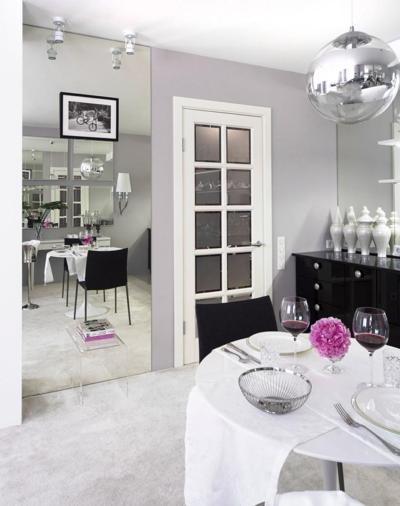 Кухня/столовая в  цветах:   Светло-серый, Серый, Сиреневый, Темно-зеленый, Фиолетовый.  Кухня/столовая в  стиле:   Неоклассика.