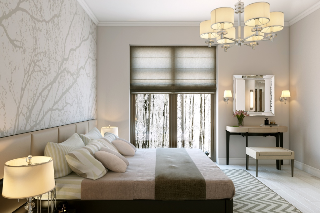 Нежные воздушные обои наполняют эту комнату и создают свою атмосферу. Но при этом они ненавязчивы, лёжа на кровати лицезреть их не удастся.