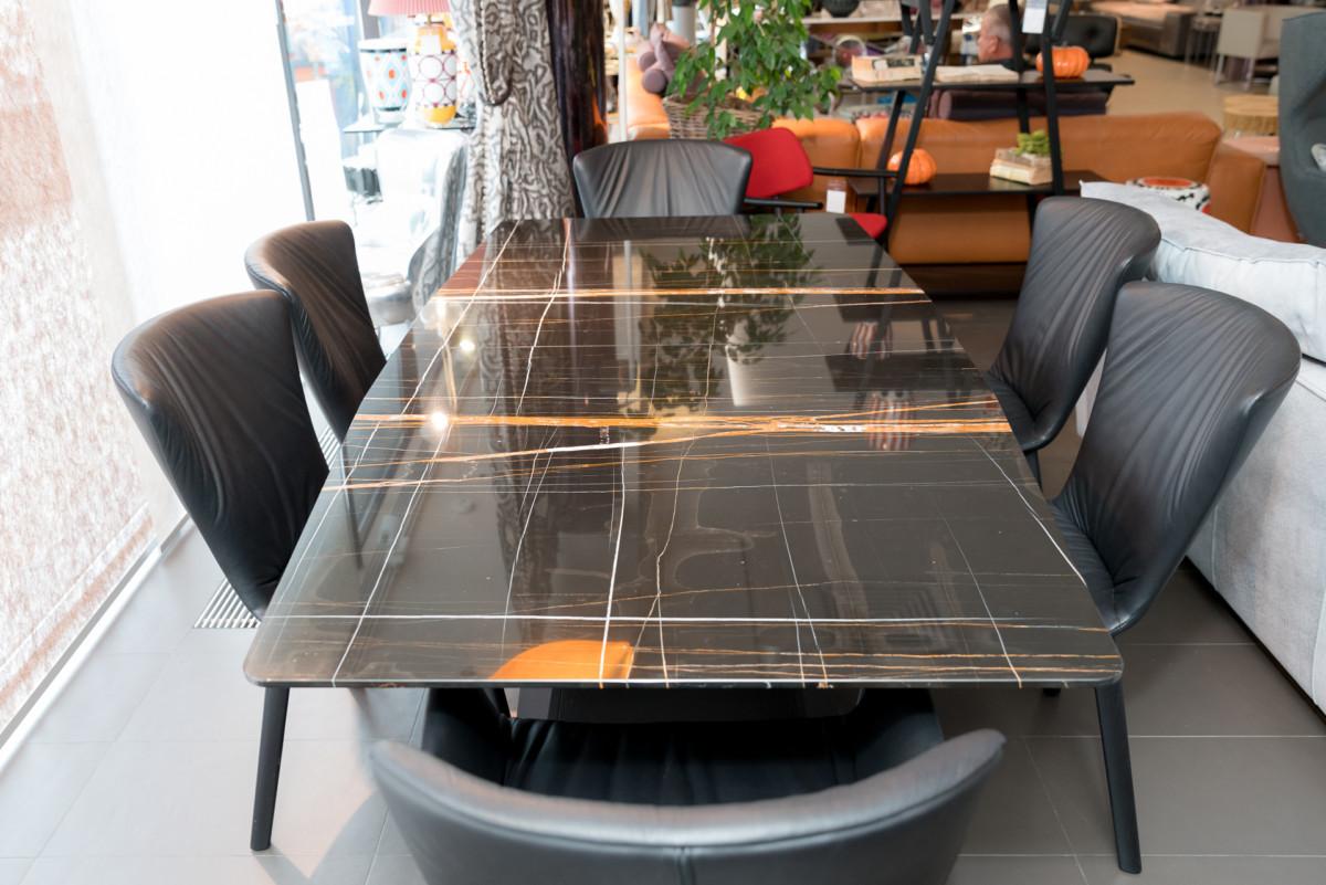 Кухня/столовая в  цветах:   Бирюзовый, Коричневый, Светло-серый.  Кухня/столовая в  стиле:   Минимализм.
