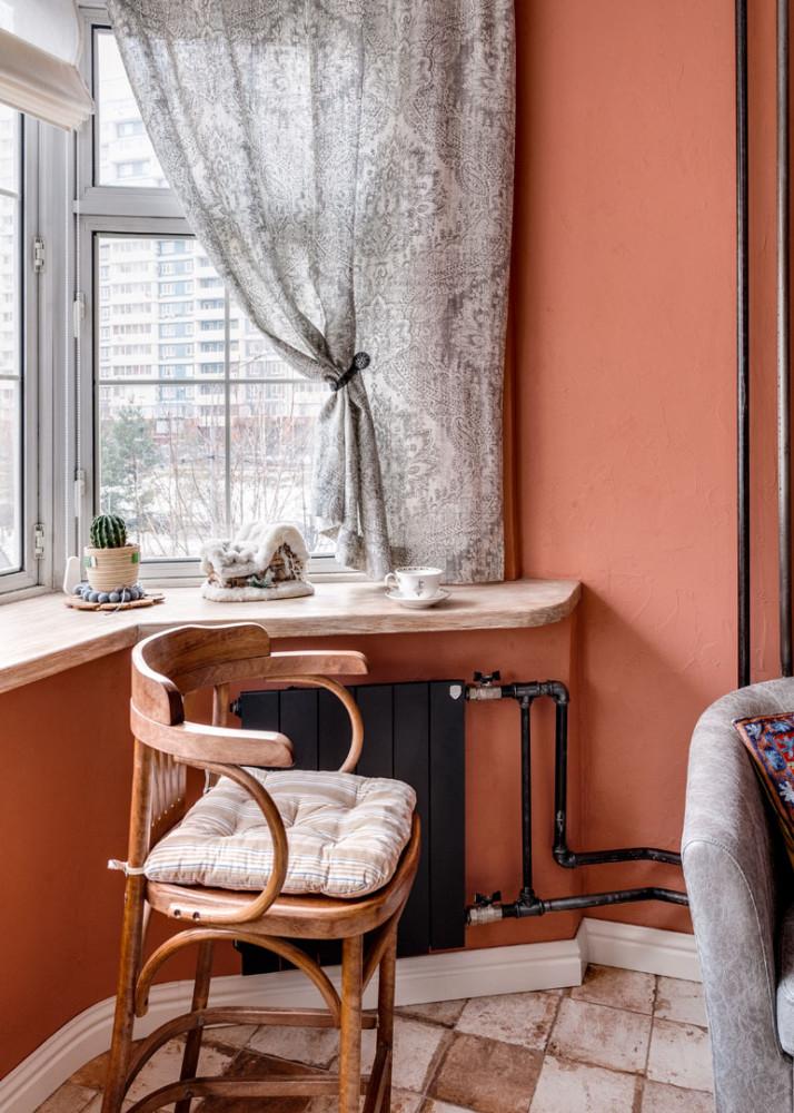 Другое задание на нестандартный подход был широкий подоконник. Преимущество кухни - форма комнаты с эркером и большим окном. Так и хотелось поставить на подоконник чашечку кофе, подставить высокий барный стульчик и задумчиво наблюдать за малышами во дворе, возящимися в снегу.