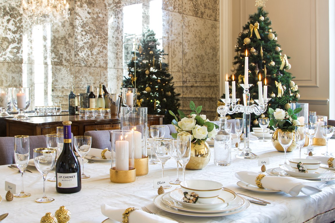 То, без чего новогодний стол не станет праздничным: тренды сервировки наступающего года