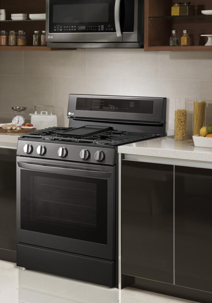 Компания LG представила новую линейку InstaView ThinQ™ духовых шкафов