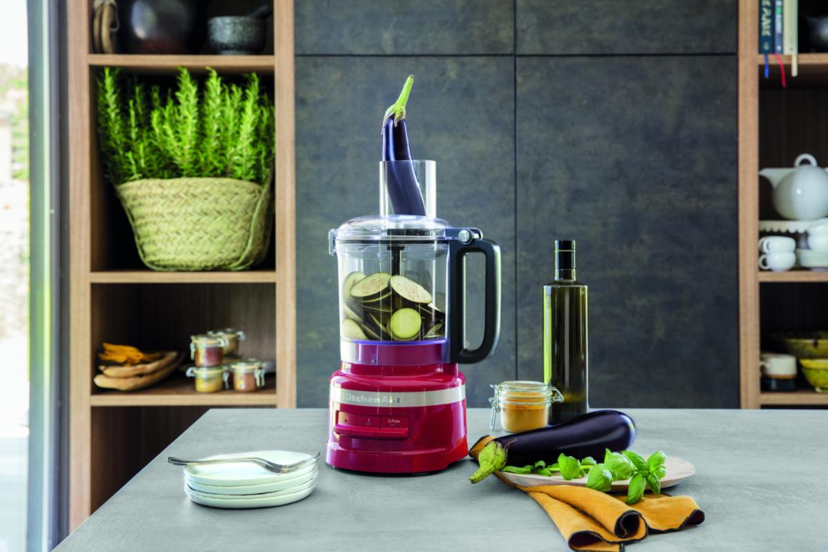 Компания KitchenAid поделилась вариантами оригинальных подарков к 8 Марта