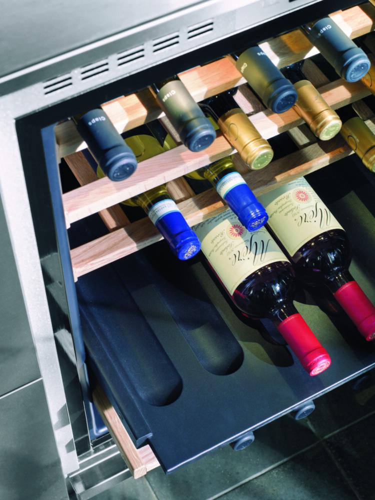 KitchenAid представляет винные шкафы для тех, кто ценит благородные напитки