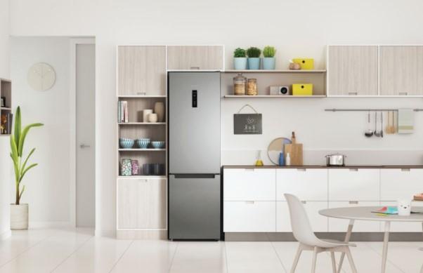 Компания Indesit представила новые холодильники Total No Frost c функцией Push&Go