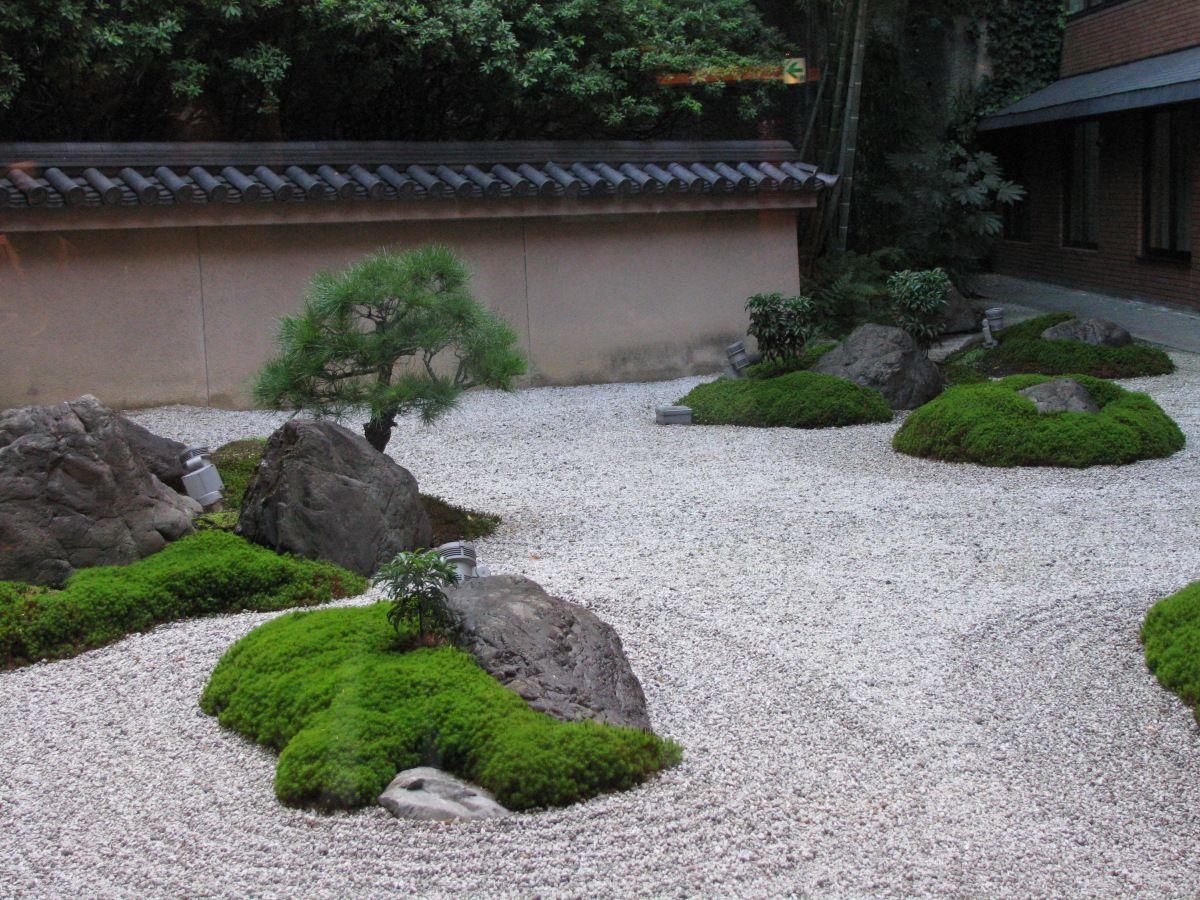 18 способов использования камня в дизайне садового участка