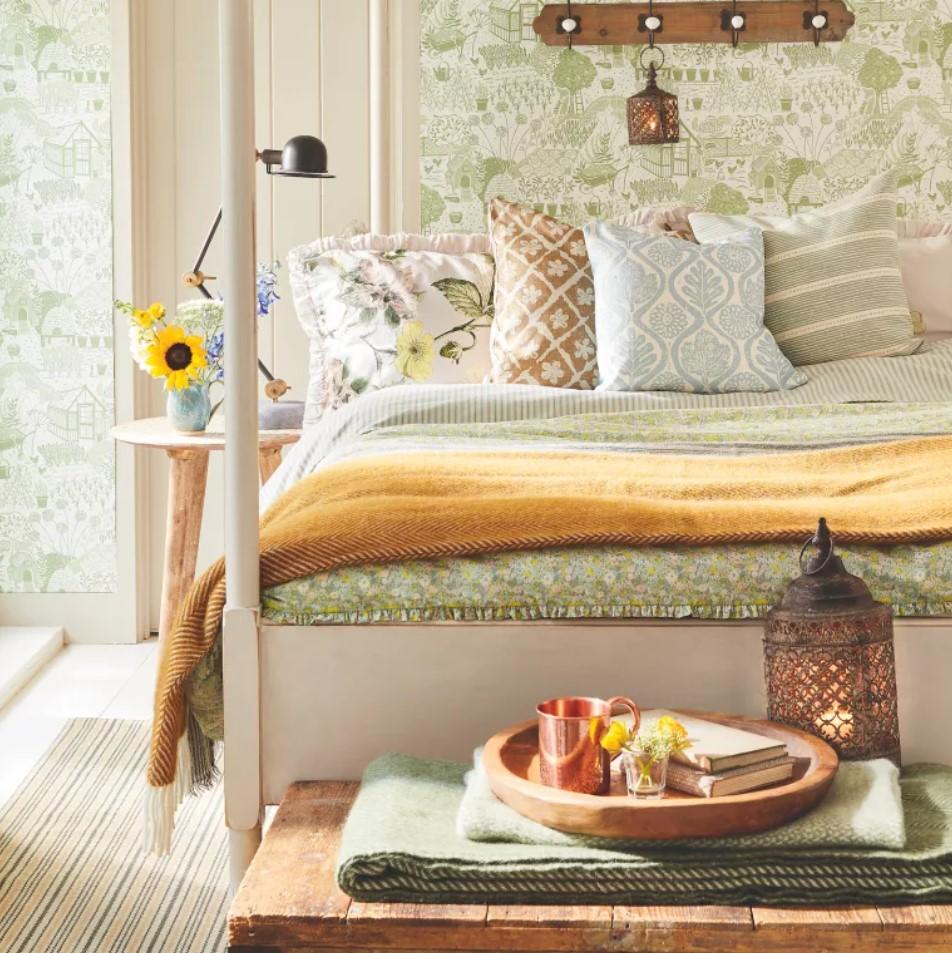 Крохотная спальня на даче тоже может быть стильной и уютной: 100 вариантов интерьера для вдохновения